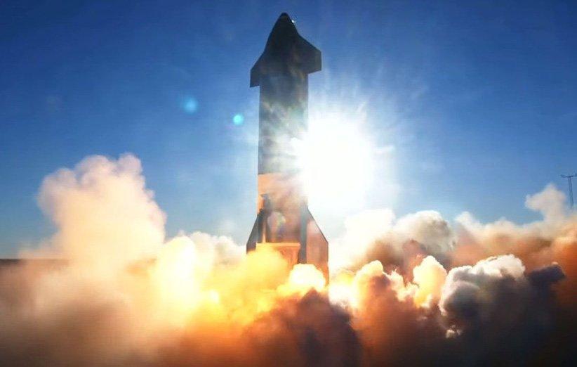 پرواز پیروز نمونه آزمایشی فضاپیمای استارشیپ با فرود انفجاری همراه شد